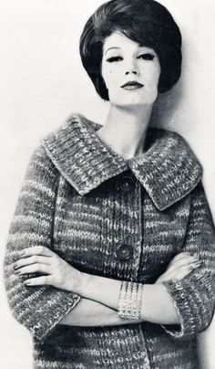 Simone D'Aillencourt wearing knitwear photo for the magazine New Hand Knits 1962
