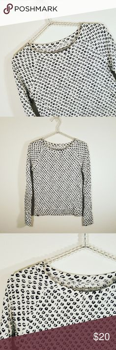 Ann Taylor Loft Animal Print Crew Neck Sweater Ann Taylor Loft Animal Print Crew Neck Sweater Size XS in Black and Ivory. In excellent pre-loved condition with no visible signs of wear so buy with confidence.   Approximate Measurements:  Bust     16 inches flat Waist   15 inches flat Length  21.5 inches               #3 Ann Taylor Loft Sweaters Crew & Scoop Necks