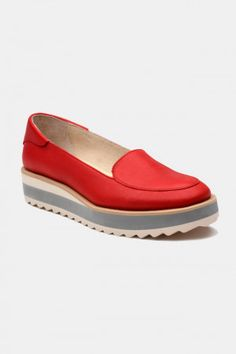 Zapatos para Mujer Color Rojo Modelo Red Gum. Los mejores amigos de todas las chicas, siempre listos para completar nuestros outfits sea invierno o sea verano; estamos hablando claro de los zapatos de mujer. Adorna tus piernas y todos tus looks con increíbles zapatos de mujer que reflejen tu estilo y acompañen tu ropa y que incluso sean el centro de atención. Encuentra los modelos más increíbles de zapatos de mujer en Fashoop visitando https://www.fashoop.com/mujer/zapatos-de-mujer.html