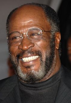 Actor John Amos arrives at the 2006 TV Land Awards at the Barker Hangar on March 19 2006 in Santa Monica California American Actors Male, African American Men, Black Actors, Black Celebrities, John Amos, Old Age Makeup, Comedy Tv Shows, Black Men Beards, Celebrity Costumes