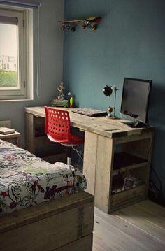 Stoer buro van steigerhout van CustomThijs Kidsroom, Corner Desk, Desks, Jasmine, Rooms, Furniture, Home Decor, Home, Bedroom Kids
