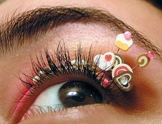 These dessert-inspired false eyelashes by Natalie of Eyelash Jewelry blend confections and cosmetics. The false eyelashes attach to your eyelid with lash glue and boast candy hearts, itty-bitty pastries and cupcakes. The eyelash jewelry is reusable and p Fake Lashes, False Eyelashes, Eyelashes Grow, Eyelash Glue, Eyelash Tips, Eye Art, Beauty Trends, Beauty Tips, Top Beauty