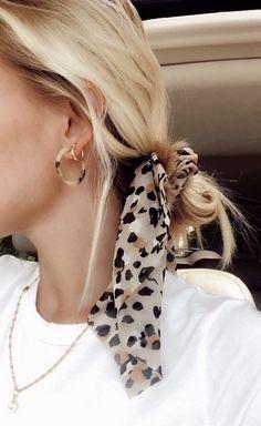 hair inspo – Hair – Hair is craft Scarf Hairstyles, Cute Hairstyles, Hairstyle Ideas, Summer Hairstyles, School Hairstyles, Bangs Hairstyle, Hairdos, Curly Hair Styles, Hair Scarf Styles