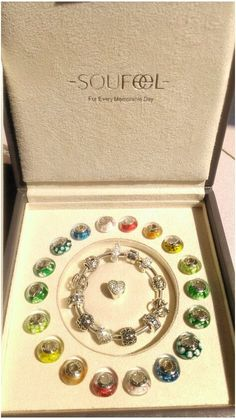 Wow ! Soufeel Murano glass beads collection with Soufeel jewelry box !  Actually , that jewelry box is quite useful.