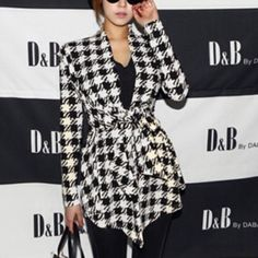 New houndstooth cardigan black white soft ‼️do not buy this list and I will make your own‼️Beautiful houndstooth cardigan very soft black still manufactures plastic these are extra larges but I think that would look great on a large also Sweaters Cardigans