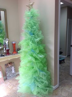 Tulle tree! Christmas Projects, Christmas Ideas, Tulle Christmas Trees, Hobbies, Decorating Ideas, Holidays, Crafts, Beautiful, Holidays Events