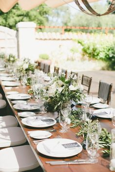 Al fresco wedding table: http://www.stylemepretty.com/little-black-book-blog/2015/01/12/rustic-european-elegance-in-sonoma/ | Photography: Onelove - http://www.onelove-photo.com/