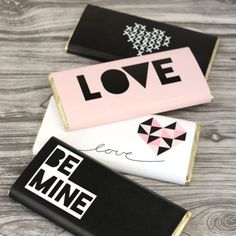 Dress up a regular chocolate bar with these modern printable wraps.  Perfect for a little Valentine's Day treat for your sweetheart.