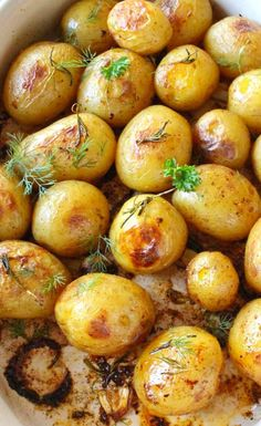 Rosemary Roasted Potatoes, Roasted Potato Recipes, Golden Potato Recipes, Vegetarian Recipes, Cooking Recipes, Healthy Recipes, Vegetarian Grilling, Healthy Grilling, Sans Gluten