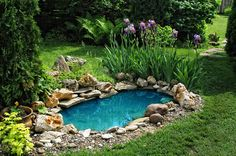 DIY pond filter design ideas will be very useful to people who want to have a garden pond or a koi pond and enjoy their water feature. A garden pond Beautiful Backyard Fish Pond Landscaping Ideas 2 image is part of 50 Beautiful Backyard Fish Pond Garden L Small Backyard Ponds, Ponds For Small Gardens, Fish Pond Gardens, Outdoor Ponds, Small Ponds, Modern Backyard, Backyard Ideas, Back Yard Pond Ideas, Outdoor Fountains