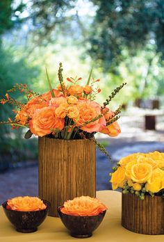 Flowers in shades of peach and yellow. Sara Remington for Anna Kuperberg Photography.