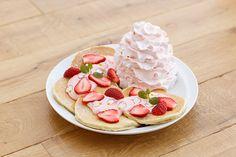 エッグスンシングス(Eggs 'n Things)から、日本上陸6周年を記念したアニバーサリーパンケーキ「レアレア パンケーキ(LeaLea Pancakes)」が登場。販売期間は2016年2...
