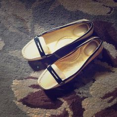 SPERRY blush and black loafers These loafers are comfortable and so cute for office! Too small on me. Worn once! Make me an offer using offer button! Sperry Top-Sider Shoes Flats & Loafers