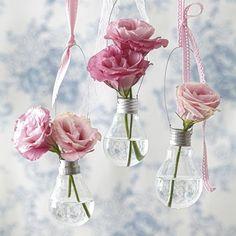 Como fazer vasos para flores utilizando lâmpadas