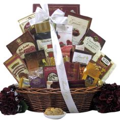 The Peace and Prosperity Medium Chocolate Christmas Gift Basket is filled to the brim with amazing holiday sweets. Perfect gift for the chocolate lover in your list. Chocolate Moose, Chocolate Gifts, Chocolate Lovers, Holiday Gift Baskets, Gourmet Gift Baskets, Gourmet Gifts, Sympathy Gift Baskets, Sympathy Gifts, Schokolade