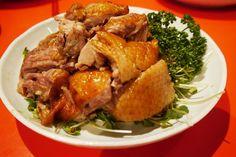 美味に幸あり 5月22日 三宮一貫楼の張瑞隆シェフの特別料理 全14品 その4 アヒルの焼き物。鳥も調理の腕も違うんだろうなあ。 こんなおいしい鳥料理は初めてです。