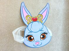 During a stroll in the forest, Snow White found Berry hiding beneath a blueberry bush. Print this mask and attach ribbon or tulle for a fun and creative way to encourage your little one to use her imagination.  Tune into Whisker Haven Tales with the Palace Pets online and on the Disney Junior Watch App! Download PDF Time:...
