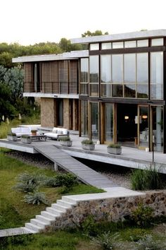 Residence Villacacia By Pfeffer Torode Architects
