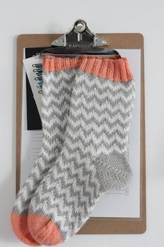 p i i p a d o o Wool socks chevron pattern