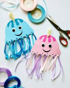 Crafts and games for children for toddlers . Toddler Crafts, Preschool Crafts, Diy Crafts For Kids, Children Crafts, Children Play, Sea Crafts, Paper Crafts, Decoration Creche, Mermaid Crafts
