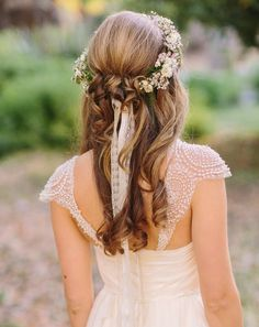 Stunning Wedding Hairstyles - photo: Danielle Capito Photography