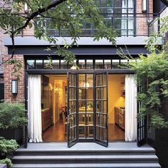 A stunning view of a classic townhome on Manhattan's Upper East Side. #luxefall…