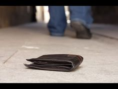 Here's a scenario for you…you're walking down a street and you come across a wallet. Inside the wallet, you find a written letter. You won't believe what this man accomplished by trying to return a lost wallet. Lost Wallet, My Wallet, Break Up Letters, Identity Thief, Feel Good News, Honesty And Integrity, Uplifting News, Good News Stories, Computer Bags
