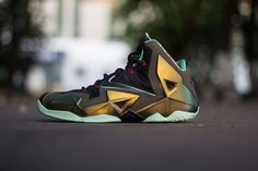 Nike LeBron XI - Black/Red The anticipation for the upcoming LeBron XI continues to grow with today's news bringing us an on-foot look at this Miami Heat-inspired colorway. Aug 9 | 94 COMMENTS| LUIS SANCHEZ