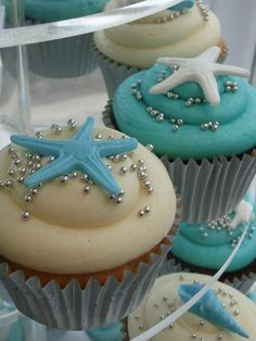 Starfish Cupcake; Cute cup cake ideas,  like the silver balls with the starfish.  They r not just for xmas!!!