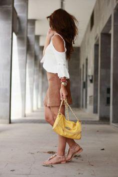 Falda de botones, Falda de ante, estilo boho,  http://www.carolina-toledo.com/2015/07/como-combinar-una-falda-de-ante.html