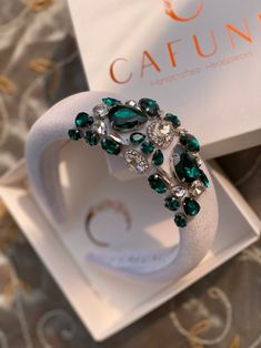 Jeweled Headband, Crystal Headband, Cute Jewelry, Hair Jewelry, Etsy Jewelry, Diy Beaded Rings, Diy Wedding Shoes, Diy Headband, Hair Beads