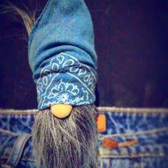 #home_gnomes #kievgram #madeinukraine #followyourgnome #streetgnome #urbanstyle