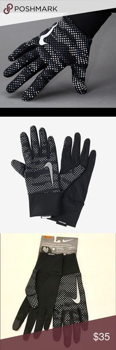 Nike Vapor Flash Run Gloves 2.0 Running gloves designed with reflective details and Nike Shield fabric for enhanced visibility and protection against the elements.    Strategically placed silicone improves your grip   The conductive thumb and forefinger tips deliver touch-screen compatibility so you can use your phone on the go.  Trades ✅Bundle and save Nike Accessories Gloves & Mittens
