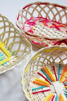 Basket by Mundo de Sofia Wicker Baskets, Craft Ideas, Crafts, Home Decor, The World, Hampers, Bricolage, Room Decor, Home Interior Design