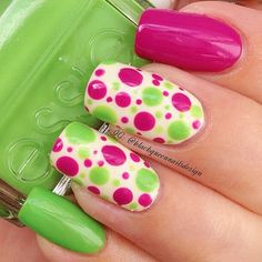 Summer dots nail art