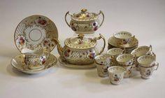 Tea set em porcelana Inglesa Davenport da primeira metade do sec.19th, circa 1830, 9,575 EGP / 4,075 REAIS / 1,195 EUROS / 1,255 USD https://www.facebook.com/SoulCariocaAntiques