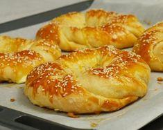 Ιδιαίτερα τυροκουλούρια – foodaholics.gr Cookbook Recipes, Cooking Recipes, Around The World Food, Greek Sweets, Tasty Videos, Greek Cooking, Dessert Dishes, Desserts, Greek Recipes