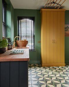 Victorian Kitchen, Tile Stores, Blue Tiles, Kitchen Units, Bathroom Styling, Interior Inspiration, Interior Ideas, Home Interior Design, Kitchens