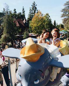our love is god Disneyland Paris, Disneyland Photos, Disney Magic, Disney Love, Cute Disney Pictures, Disney World Pictures, Disney Vacations, Disney Trips, Walt Disney World