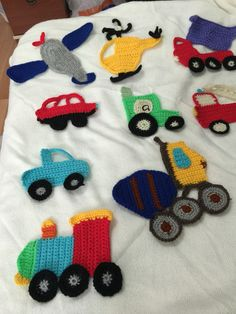 bebek battaniyesi Baby Sweaters, Free Crochet, Baby Gifts, Kids Rugs, Caterpillar, Knitting, Crafting, Knitted Baby, Appliques
