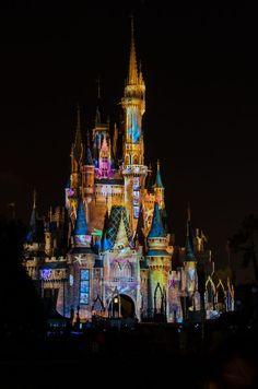 Cinderella's Castle ,Walt Disney's Magic | http://my-famous-castles1.blogspot.com