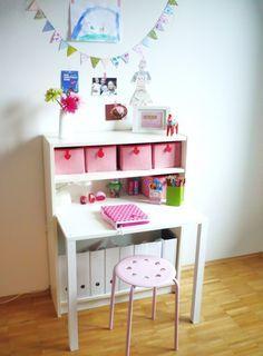 Kinderschreibtisch ikea  Wovon kleine (und große) Mädchen manchmal träumen | Art spaces ...