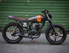 """8negro: Yamaha 125cc:: """"Alvará"""":: Bendita Macchina."""