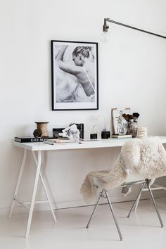 A home in white, black and a little grey
