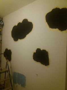 chmurki na ścianie pokryte farbą magnetyczną