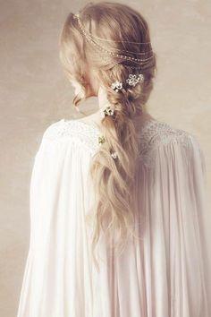 Medieval hairstyles – 15 beautiful looks and elaborate braided hairstyles … - Wedding Hairstyles Medieval Hairstyles, Braided Hairstyles, Wedding Hairstyles, Princess Hairstyles, Fantasy Hairstyles, Updo Hairstyle, Hair Garland, Hair Wreaths, Hair Chains