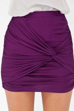 Love the color and the skirt.... Maybe I'll make this for me... but longer of course