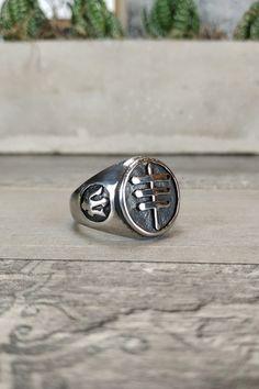 Ανδρικό δαχτυλίδι 'Poseidon' (Ατσάλι) Men Rings, Silver Rings, Jewelry, Male Rings, Jewellery Making, Jewerly, Jewelery, Jewels, Jewlery