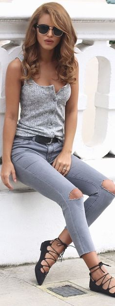 a0058e543ffd Knitted Tank - H&M / Grey Ripped Jeans / Lace Up Pointed Flats Abiti Per L