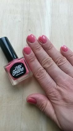 My first one peel off nail colour Pretty in pink from Little Ondine. It's odour free :))   http://naturalusid.blogspot.lt/2015/09/litlle-ondine-revoliucija-bekvapis.html?m=0